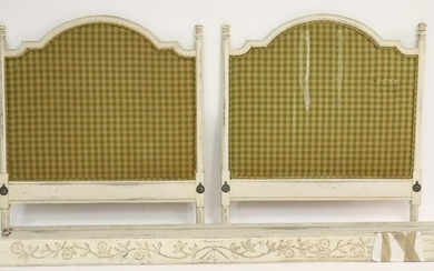 Louis XVI Style White Painted Day Bed