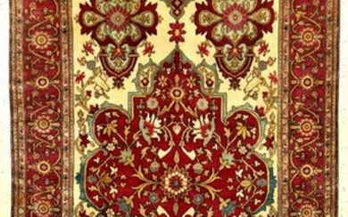 Very Fine & Exceptionally Silk Farahan Rug
