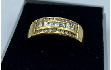 18CT YELLOW GOLD DIAMOND GENT RING, SIZE Z WEIGHT 8G APPROX ...