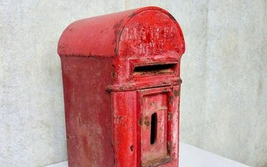 1900-1910 Cast Iron English Royal Mail Letter Box