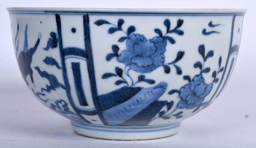 A CHINESE BLUE AND WHITE PORCELAIN BOWL BEARING XUANDE