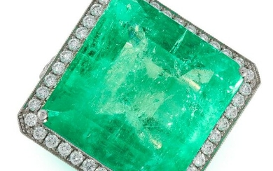 A COLOMBIAN EMERALD AND DIAMOND COCKTAIL RING in