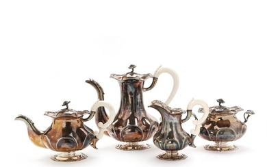 A sterling silver coffee- and tea set, maker Chr. Michelsen licensed in Copenhagen 1931–1941. Weight 1706 g. (4)