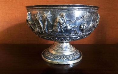 Ancient Lucknow lion hunting bowl - High-grade silver - lion hunt - India - Late 19th century
