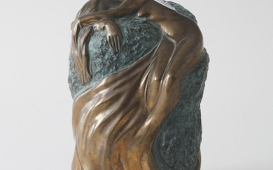 Bronze sculpture of a mourning lady, partly patinated, h. 27 cm, Provenance: Landgoed Altembrouck