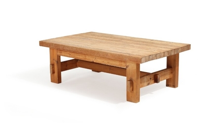 Jens Lyngsøe: A solid Pomeranian pinewood coffee table. This example retailed 1980's by Anton Dam. H. 50. L. 150. W. 91 cm.