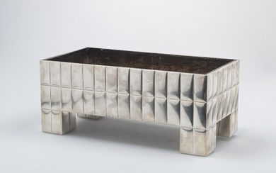 Josef Hoffmann, a centrepiece, presentation on the sideboard with tableware