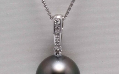 No reserve price - 14 kt. White Gold - 13mm Black Tahitian Pearl Drop - Necklace with pendant - 0.04 ct