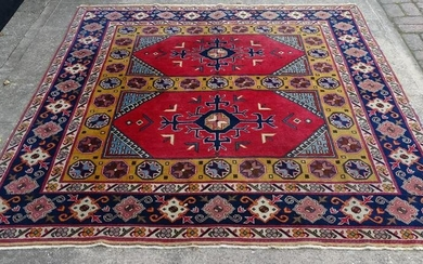 "ORIENTAL RUG DOUBLE RECTANGLE MEDALLION 6'3"" X 5'"