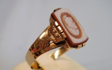victorianische Handarbeit - 18 kt. Pink gold - Ring - 3.00 ct hand-cut cameo made of ply carnelian