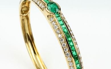 18 kt gold bangle with emeralds and...