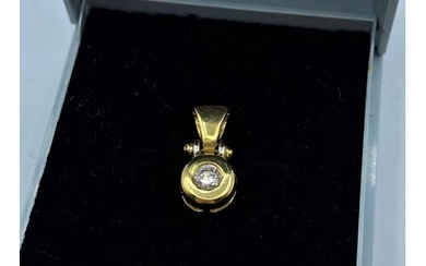 18CT YELLOW GOLD DIAMOND SOLITAIRE PENDANT, WEIGHT 2.1G APPR...