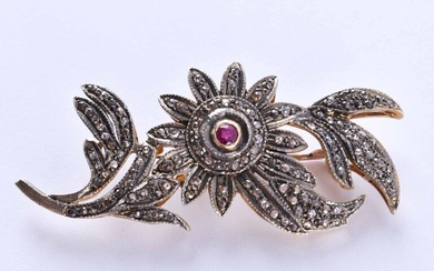 Diamond ruby brooch Russia | Diamond ruby brooch Russia,silver partly gold-plated 88 zolotnik, set with ruby and diamonds, 6 cm x 2,5 cm, total weight ca. 12 g_x000D_