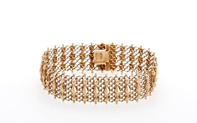 Gold mesh bracelet, first half of the 20th Century.