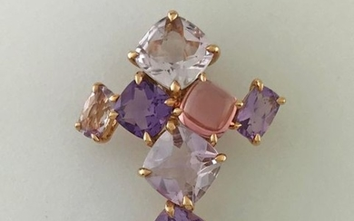 Pendant in pink gold 750°/°°° set with amethysts...