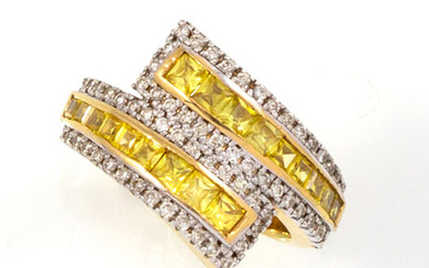 RING in 18K yellow gold holding a succession of brilliant-cut...