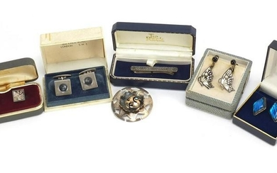 Silver jewellery comprising three pairs of cufflinks