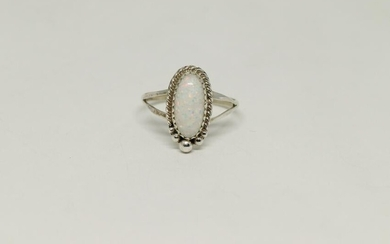 Sterling Silver Native American Navajo Opal Ring.