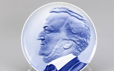 Wall plate 'Richard Wagner', Rosenthal, 20th c., design Ferdinand Liebermann on the occasion of Wagner's 100th anniversary in 1913, painted in underglaze blue, sign. a. inscr.'1813-1913', Wall Hanger, D. 28.5 cm
