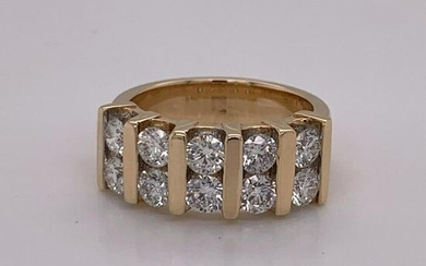 14Kt Gold. 1.95Ct Natural Diamonds Ring