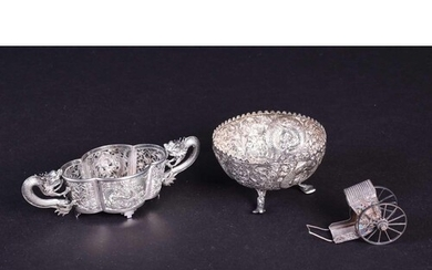 A Chinese silver export small bowl with clear glass liner, t...