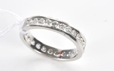 A DIAMOND FULL CIRCLE ETERNITY RING TOTALLING 2.65CTS IN 18CT WHITE GOLD, SIZE U, 5.5GMS