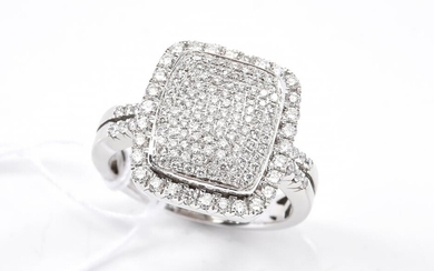 A PAVE SET DIAMOND DRESS RING IN 18CT WHITE GOLD, SIZE N, 7.1GMS