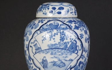 Blue white floral decor lid pot, marked Kangxi (1) - Blue and white - Porcelain - China - 19th century