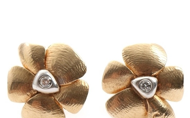 Charlotte Lynggaard: A pair of diamond earrings in the shape of flowers each set with brilliant-cut diamond, mounted in 14k gold. L. 1.5 cm. (2)