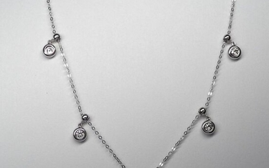 """Necklace """" Draperie """" in white gold, 750 MM, punctuated with five brilliant-cut diamonds in setting, total 0.50 carat, spring ring clasp, chain length 44 cm, weight: 2.75gr. rough."""