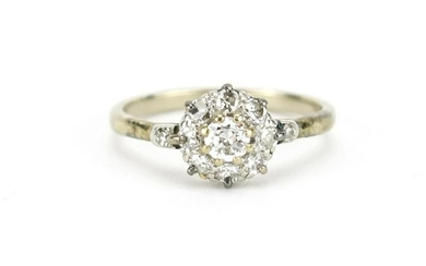 18ct white gold diamond cluster ring, size O, 3.0g