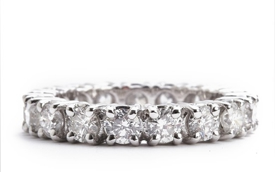A diamond eternity ring set with numerous brilliant-cut diamonds weighing a total of app. 3.22 ct., mounted in 18k white gold. Top Wesselton/SI-P. Size 56.