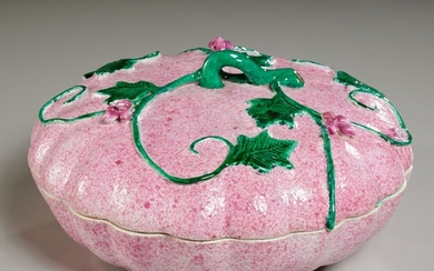 Chinese Export gourd-form lidded container