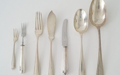 Dutch silver cutlery, second amount, consisting of: 6 fish knives and fish forks, 6 dinner spoons/forks/knives, 6 breakfast forks/knives/spoons, 6 dessert forks, 5 dessert spoons, medium size knife, 6 tea spoons, 6 longdrink spoons, 6 cake forks, 6...
