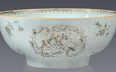 Large china punch bowl. Qianlong, 18th century, circa 1755. Decorated in grisaille and gold with two rocaille cartouches with Masonic symbols, framed with discarded flowers, ironwork frieze on the inner rim, gilding on the rim, small wears.