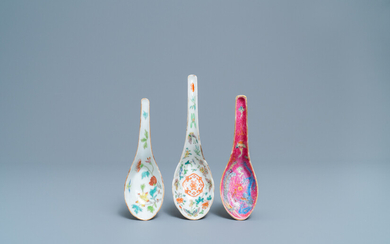 Three Chinese famille rose spoons, 19/20th C.