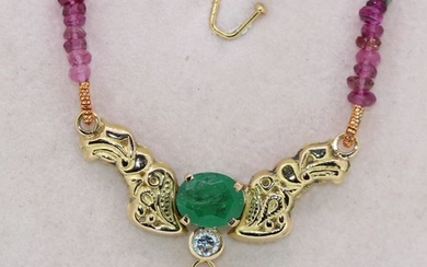18 kt. Yellow gold - Necklace with pendant - 2.30 ct Emerald - Diamond, Tourmalines