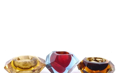 3 Murano Sommerso coloured facet glass bowls