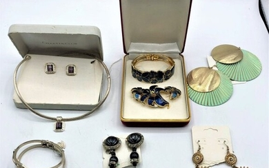 [6] Assorted Costume Jewelry Grouping with 2 Sets