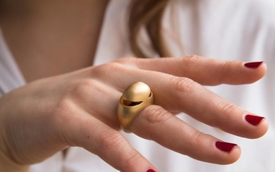 BULGARI BAGUE DOME FUTURISTE A gold ring by BULGARI.