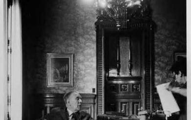 Borges at work.