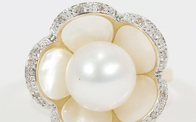 DIAMOND, NATURAL PEARL, YELLOW & WHITE GOLD RING