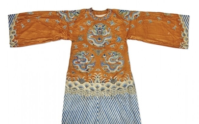 Embroidered silk court robe China, Qing dynasty, 19th Century
