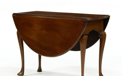 English Queen Anne Mahogany Drop Leaf Table