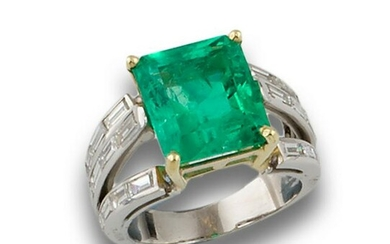 GOLD RING DIAMONDS AND EMERALD