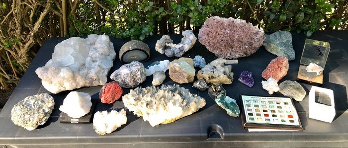 Large collection of minerals including Aquamarine - 28×21×9 cm - 12486 g - (24)