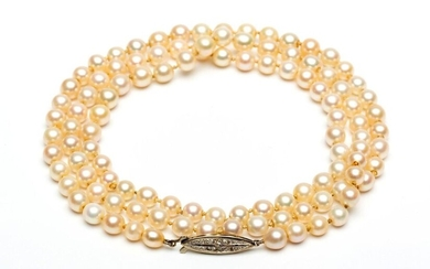 Necklace of 107 natural pearls, ranging from 6.9...