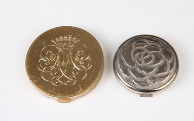 ST JOHN SILVER-TONE COMPACT MIRROR WITH FLORAL MOTIF ON COVER...