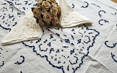 Spectacular !! pure linen tablecloth x 12 with hand embroidery - Linen - 21st century