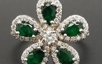 1.52ct Natural Emeralds and Diamonds, Flower - 14 kt. White gold - Ring - ***No Reserve Price***